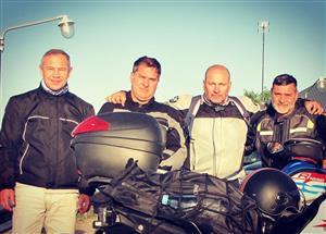 Con el grupo insperable de amigos - Motorcycle racing -  -  -