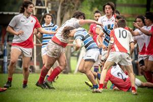 Tratando de avanzar - Rugby - M16 (M) - Liceo Naval - Mariano Moreno