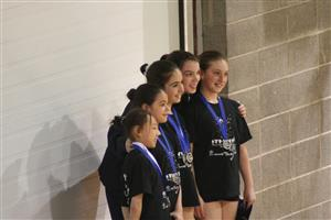 Photo avec toutes les gagnantes - Rhythmic gymnastics -  - QUESTO -