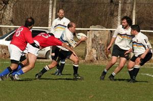 Faina buscando el apoyo de Ballena - Rugby -  - Los Cedros -