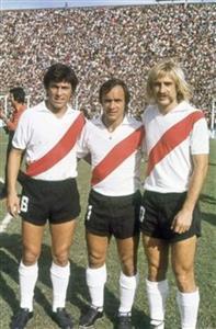 Daniel Passarella - Oscar Más - José Omar Reinaldi - Soccer -  -  -