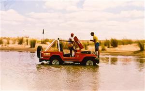Sport Photo Book by Juan Alchourron - Auto racing - Se mojo el carburador - Pinamar (médanos) - 1988/Jan/20