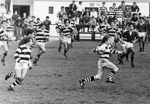 Didi viene a toda velocidad cubriendo cancha - Rugby -  - Club Atlético de San Isidro -