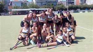 El equipo 7ma. división de hockey femenino, salió campeón del Torneo Metropolitado de Domingo - Field hockey -  - Banco Central -