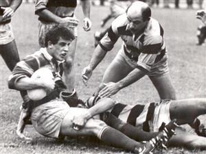 Fauve, Sebastian - Rugby - Sebas Fauve, tackleado - Asociación Alumni - 1988/Oct/10