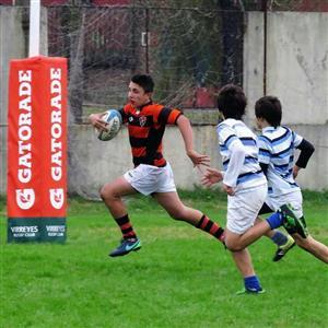 Marcos rumbo al In-goal del SIC - Rugby -  - Olivos Rugby Club - San Isidro Club