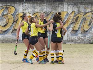 Festejo de gol - Field hockey -  - Almirante Brown -