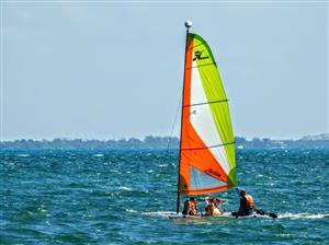 Los miembros originales del Piritubao Polo Club navegando por las aguas de Cancún - Sailing -  - Cancun Hotels - Piritubao Polo Club