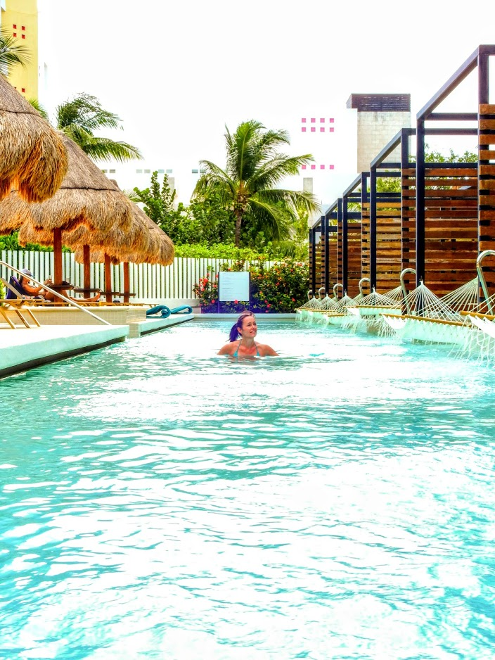 Finest Playa Mujeres - 2km - Cancun Hotels - MOULEDOUS, Anne - Swimming - 2018/Dec/08