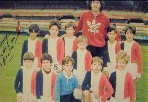 Egresados 1994-1995 Cancha de River con el Beto Alonso, año 1986 - Soccer -  - Colegio San Miguel  -