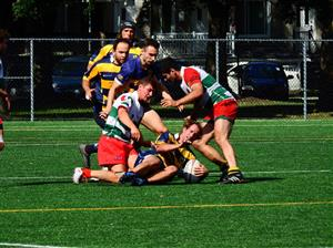 Protecting the ball - Rugby -  - Rugby Club de Montréal - Town of Mount Royal RFC