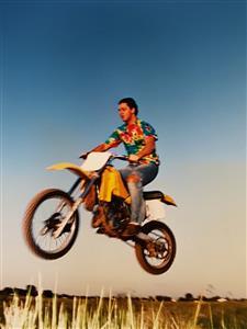 Sobre los yuyos - Motorcycle racing -  - Pinamar (médanos) -