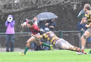 Pisandole afuera al tackleador - Rugby -  - Newman - Belgrano Athletic Club