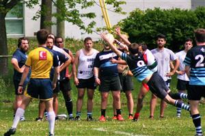 Un saut pour les spectateurs - Rugby -  - St-Lambert Locks RFC - Rugby Club de Montréal