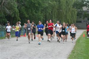 And they're off ! - Running -  - NDG Roadrunners -