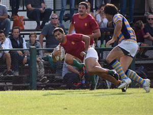 Corriendo a 45 grados con respecto a la horizontal - Rugby -  - Newman - Hindú Club