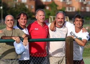 Con amigos, siguiendo a AA - Rugby -  - Asociación Alumni -